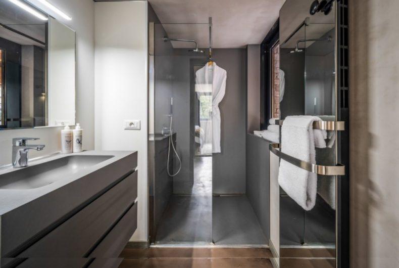 bathroom_2-sml